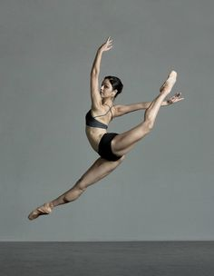 Lord Byron — Ballerina Fabiana Santiago - Photo by Jason. Human Poses Reference, Pose Reference Photo, Dance Photography Poses, Dance Poses, Contemporary Dance Photography, Figure Poses, Poses References, Ballet Beautiful, Modern Dance