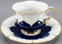 Kintsugi, Vintage Dishes, Vintage China, Ikebana, My Cup Of Tea, China Porcelain, Ceramic Art, Tea Set, Tea Time
