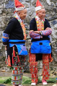 Red Dao   Dao   Dzao Tribe   Ha Giang   Vietnam Hill tribes   Tribal Fashion   Ethnic Textiles   Tribal Textiles   Traditional Dress   North Vietnam   Travel Vietnam