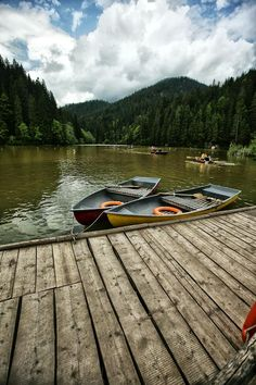 Paddle a #boat on the #RedLake #Romania