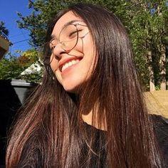 imagem descoberto por χιуєσи ღ. Descubra (e salve!) suas próprias imagens e vídeos no We Heart It Ulzzang Hair, Ulzzang Korean Girl, Korean Aesthetic, Aesthetic Girl, Korean Beauty, Asian Beauty, Uzzlang Girl, Girls Selfies, Foto Pose