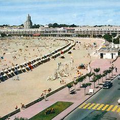 Regional, Dolores Park, Louvre, Building, Travel, Viajes, Beach Tent, Tourism, Vacation