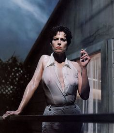LIMEROOM the beauty of woman body | Sigourney Weaver by Helmut Newton