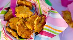 Veggie and Ricotta Fritters.I guess I could reheat these to make for daycare babes. Quick Recipes, Baby Food Recipes, Cooking Recipes, Quick Meals For Kids, Kids Meals, Vegetarian Recipes, Healthy Recipes, Healthy Food, Eating Healthy