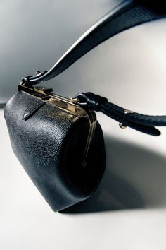 Summer Handbags, Best Handbags, Frame Bag, Best Bags, Classic Leather, Caviar, Accessories Shop, Leather Bag, Women Wear