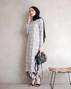 Ideas fashion hijab kondangan for 2019 Kebaya Modern Hijab, Kebaya Hijab, Kebaya Brokat, Dress Brokat, Model Kebaya Muslim, Kebaya Lace, Kebaya Dress, Batik Kebaya, Muslim Fashion