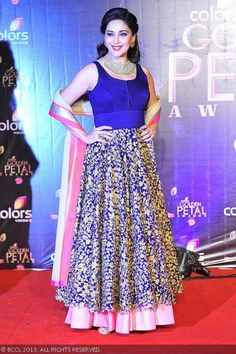 Madhuri Dixit gets clicked on her arrival for the Colors TV Golden Petal Awards, held at Bandra-Kurla Complex Ground in Mumbai on December 2013 Online Shopping, Floor Length Anarkali, Ethnic Dress, Madhuri Dixit, Anarkali Suits, Bollywood Celebrities, Indian Designer Wear, Lehenga Choli, Indian Sarees