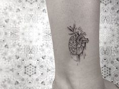 31 Tattoos for Women - Page 21 of 31 - Tattoo Designs Mini Tattoos, Trendy Tattoos, Cute Tattoos, Beautiful Tattoos, Body Art Tattoos, Small Tattoos, Tattoos For Women, Heart Tattoos, Heart Anatomy Tattoo