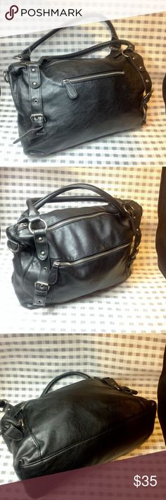 🖤GREAT MAURICES' PURSE🖤 🖤GREAT MAURICES' PURSE🖤 MEDIUM SIZED BAG - PURSE IN GREAT CONDITION ON THE OUTSIDE BUT THE INSIDE COULD USE A GOOD CLEANING! NO STAINS THAT I CAN SEE IT IS JUST DIRTY FROM USE. SHOWS VERY MINOR SIGNS OF WEAR. OVERALL CONDITION IS GREAT Maurices Bags