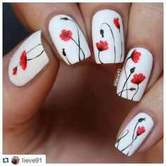 Reposting my flower mani to celebrate #womensday  Happy womens day to all my amazing and beautiful women all over the world!!❤ P.s. my finger is healing and I started to move it today normally today!!! Yay!!! Thank you all for your sweet words-I really appreciate it!! #Repost @lieve91 with @repostapp ・・・ My new nails for today!! Inspired by a beautiful painting I saw on Pinterest❤️ Base white polish is by @essence_cosmetics and the poppy flowers are hand drawn with Pebeo acrylic paints☺️...