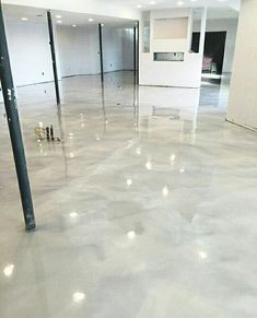 High-traffic spaces demand high-performance covering systems for the best garage flooring ideas. Making use of a very long lasting crossbreed polymer, their garage flooring coatings are 4 times stronger and more versatile than conventional epoxy. Epoxy Concrete Floor, Stained Concrete, Metallic Epoxy Floor, Home Design, Floor Design, Design Ideas, Salon Design, Basement Flooring, Basement Remodeling