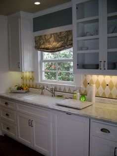 Traditional Kitchen Photos 1930s Design, Pictures, Remodel, Decor and Ideas - page 3
