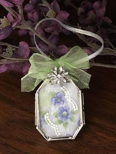 Romantic Ornament, Wedding Gift, Vintage Inspired, Lavender Flower, Spring Green, Floral Home Decor, Victorian, Birthday, Mom