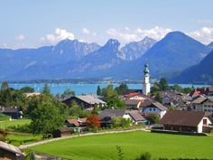 Hotspot: Mozartblick // Topic: sundayfunday // Country: Austria // Federal State: Salzburg // Location: St. Gilgen // Lake: Wolfgangsee //