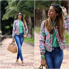 http://marilynsclosetblog.blogspot.com.es/2013/11/welcome.html #ootd #ootdmagazine #marilynscloset #fashionblogger #zara #bomber #jacket #lookoftheday #streetstyle #fashion #vogue #fashionclimaxx #moda