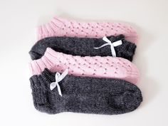 Life with Mari: Kesäiset nilkkasukat Crochet Socks, Knitting Socks, Knit Crochet, Knitting Ideas, Crafts To Do, Yarn Crafts, Mittens, Baby Shoes, Projects To Try