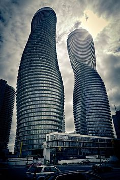 Absolute Towers - Marilyn Monroe Penthouses, Mississauga, 2012 ...