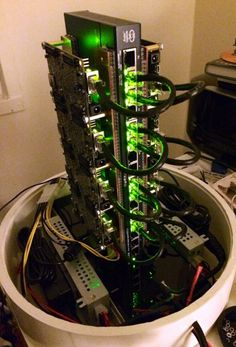 A software engineer who works for Twitter has created a supercomputer on his own. Called Parallac, it relies on a Parallella cluster.