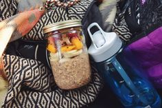 My breakfast on the go this morning before school! My favorite overnight oats with banana, peach, raspberries, granola and peanut butter 😋 the night before in a jar mix together 1/2 cup oats, 1/2 cup almond milk, 1/2 tbsp chia seeds, 1 tsp coconut sugar and cinnamon. Cover, leave in fridge overnight then eat it cold in the morning with your favorite toppings. Perfect for busy mornings because it takes less than 5 minutes to prepare!