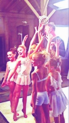 hahah that time it was with a guy not abby Dance Moms Dancers, Dance Mums, Dance Moms Girls, Just Dance, Mackenzie Ziegler, Maddie Ziegler, Dance Moms Comics, My Girl, Cool Girl