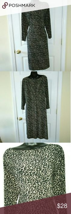 "Lauren Ralph Lauren plus sz 14w animal print dress Very beautiful, excellent condition.  22"" armpit to armpit 17"" across waist w/ stretch 25"" across hips 40"" length Lauren Ralph Lauren Dresses"