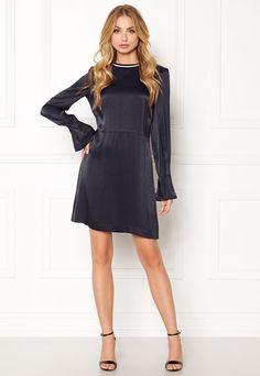 Bilderesultat for dagmar colombe Cold Shoulder Dress, Dresses, Fashion, Vestidos, Moda, Fashion Styles, Dress, Fashion Illustrations, Gown