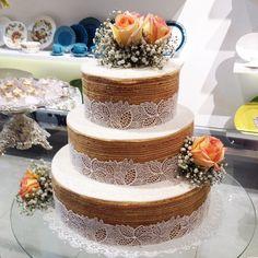 Naked cake de bolo de rolo