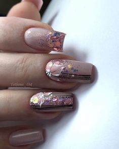 Nail Tech Designs Wedding Lore There are few other life events so steeped in tradition as weddings. Nail Art Designs Videos, Diy Nail Designs, Gel Nail Art, Gel Nails, Cute Nails, Pretty Nails, Nagel Bling, Short Square Nails, Flower Nails