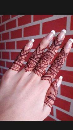 Simple Mehndi Designs Fingers, Finger Mehendi Designs, Pretty Henna Designs, Modern Henna Designs, Henna Tattoo Designs Simple, Basic Mehndi Designs, Back Hand Mehndi Designs, Latest Bridal Mehndi Designs, Mehndi Designs 2018