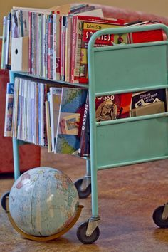 Library cart for books