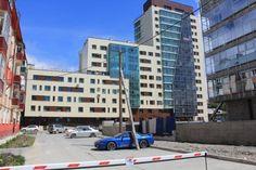 Строительство знаменитого жилого комплекса «Адмирал» приносит не только радость его новоселам, но и множество проблем жителям прилегающих домов. #Адмирал #застройка #правительство #Южно-Сахалинск #Юрьев