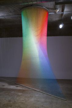 墨西哥艺术家 Gabriel Dawe 使用线创作美丽... 来自尖峰视界 - 微博