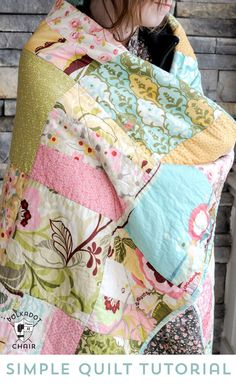 Tuesday Tutorial: Snuggly Layer Cake Quilt & a March Bag Giveaway - This quilt pattern and tutorial sews up fast and makes use of pre cut squares (or layer cakes). If you like this project you may also love this free hexagon quilt pattern. Quilting For Beginners, Sewing Projects For Beginners, Quilting Tutorials, Quilting Projects, Sewing Tutorials, Free Tutorials, Beginner Quilting, Quilting Designs, Quilting Tips