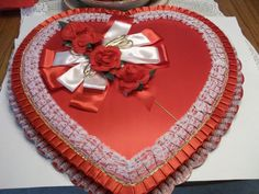 VTG.CANDY BOX-VALENTINE HEART-HUGH DISPLAY SIZE 24 1/2 IN.TALL+WIDE-BEAUTIFUL!