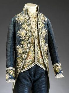 Photo of Court suit, about 1795-98, probably France. Museum no. T.148-1924. © Victoria and Albert Museum, London