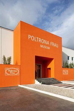 https://i.pinimg.com/236x/67/25/93/67259396185db72b0f3499cdb57038da--entrance-italia.jpg
