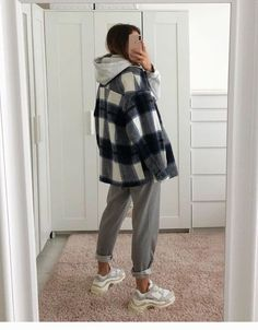 Winter Mode Outfits, Winter Fashion Outfits, Look Fashion, Fall Outfits, Runway Fashion, Fashion Women, Grunge Winter Outfits, Flannel Outfits, Winter School Outfits