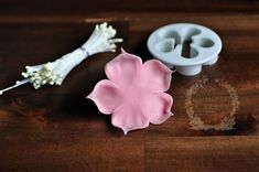 Tutorial for pink cherry blossom flowers - perfect for cakes