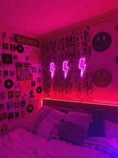 (not my picture) Neon Bedroom, Indie Bedroom, Indie Room Decor, Room Design Bedroom, Teen Room Decor, Cute Bedroom Decor, Room Ideas Bedroom, Aesthetic Room Decor, Bedroom Inspo
