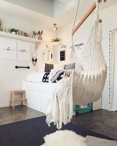 Small Guest Bedroom Ideas Layout Spare Room Cover Up - coloradorockiescp. Ikea Storage Bed Hack, Small Bedroom Storage, Bed Storage, Storage Hacks, Teen Girl Bedrooms, Guest Bedrooms, Murphy Bed Ikea, Bed Plans, Spare Room