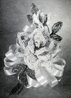 Rose bead flower pattern from Bead Flowers, originally published by Aleene.