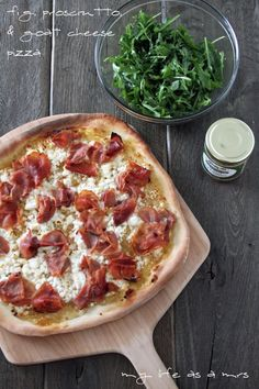 Fig, Prosciutto, and Goat Cheese Pizza! Love this savory (prosciutto), creamy (goat cheese) and sweet (fig) combo!