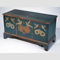 """SMALL CHEST/ Attributed to Johannes Spitler (1774–1837), Virginia, United States, c. 1800, paint on yellow pine, poplar, and white pine, with metal and wrought iron hardware, 18 1/4 × 32 5/8 × 13 3/4"""", collection American Folk Art Museum, gift of Ralph Esmerian: 2005.8.28."""