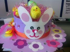 Fun and creative kids easter bonnet ideas for both boys and girls - I've put together a great selection of ideas for you including step by step tutorials. Easter Arts And Crafts, Diy And Crafts, Bunny Crafts, Kid Crafts, Happy Easter, Easter Bunny, Easter Bonnets, Easter Eggs, Easter Hat Parade