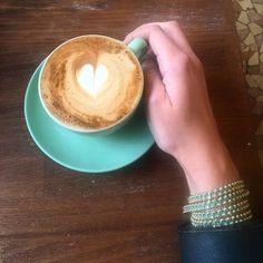 Perfect match ! Mon bracelet @zaavacollection est assorti à ma tasse  #butfirstcoffee #zaavacollection  __ #cappuccino #monday #coffeeshop #bakeryparis #paris #todayscoffee