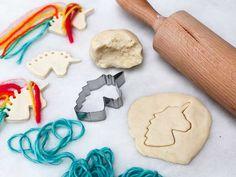 Ben je op zoek naar leuke zoutdeeg voorbeelden en figuren. Kijk dan hier wat voor leuks je allemaal met zoutdeeg kunt knutselen! Diy For Kids, Crafts For Kids, Diy Crafts, Toddler Fun, Toddler Activities, Kids And Parenting, Art Projects, Valentines Day, Crafty