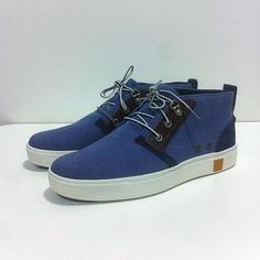 Adoptez le style et le confort de la chaussure Amherst Chukka en coton navy washed, parfaite pour le week-end ! #Timberland #Nantes #sneakers #shoes #sensorflex #moderntrail #portsideblue #navy #canvas #spring16 #summer www.shop-nantes-atlantis.fr