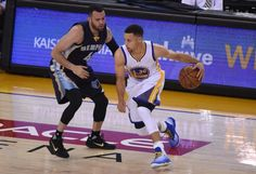 Steph Curry Makes History in Under Armour Curry 2.5s