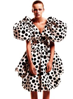 Vogue Germany July 2008 Hohe Kunst by Thomas Schenk Christian Lacroix Christian Lacroix, Legging Outfits, Dots Fashion, White Fashion, Thanksgiving Outfit, Couture Fashion, Runway Fashion, Vogue, Mode Chic