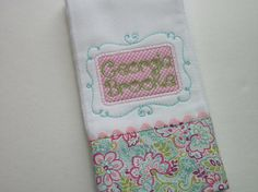 This adorable baby burb cloth is made for a special little lady. The burp cloth is made from high quality 6-ply diaper cloth embroidered with a swirly name frame trimmed with a coordinating fabric. You can go with first and middle names or just babys first name.  *SPECIAL NOTES* Important to check my SHOP ANNOUNCEMENT for current turnaround times. If you need an item by a certain date, please inquire about it before making your purchase. Please convo to me with any special requests you may…